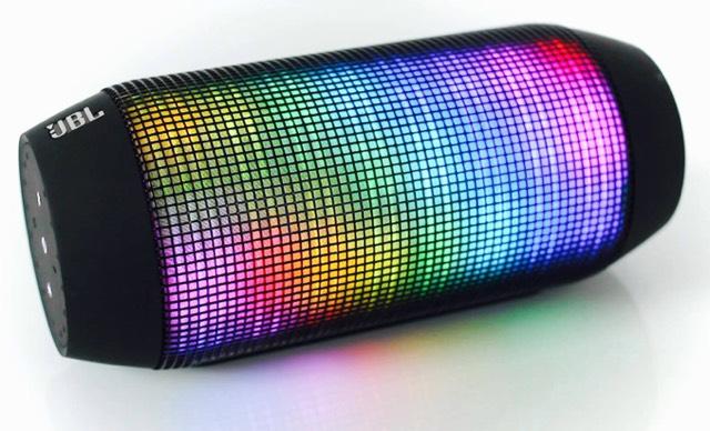 draagbare speaker kopen welke moet je hebben icreate magazine. Black Bedroom Furniture Sets. Home Design Ideas
