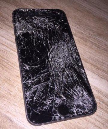Wonderlijk iPhone scherm kapot: repareren bij een Apple Store, of goedkope AL-98