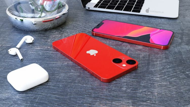 iPhone 13 mini concept